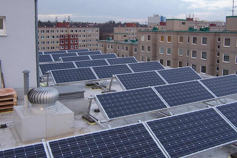 FVE o výkonu 17,1 kWp na střeše BD (Praha 9- hloubětin)