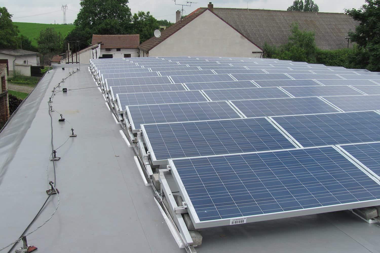 FVE o výkonu 30 kWP na střeše domu (Dolní Vilémovice)
